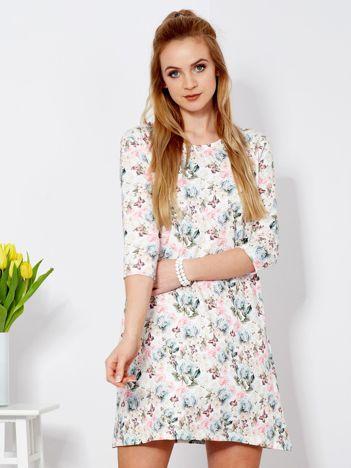 Sukienka biała z nadrukiem kwiatów i motyli