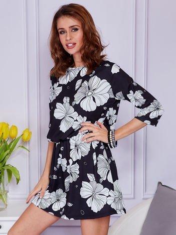Sukienka czarna w białe kwiaty