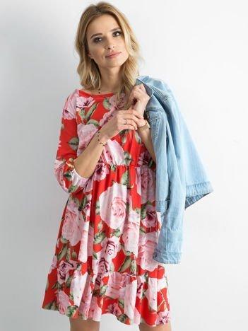 Sukienka czerwona w kolorowe kwiaty