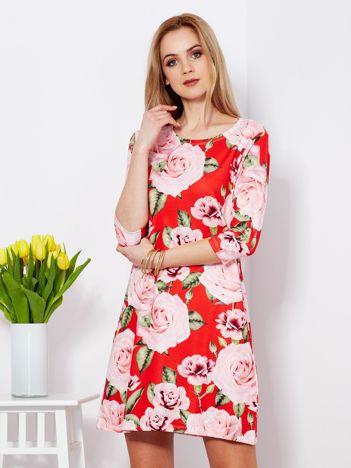 Sukienka czerwona w kolorowe róże