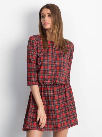 Sukienka czerwona z gumką w pasie w kratkę