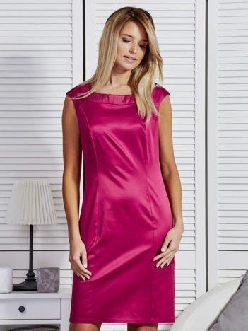 Sukienka damska z zakładkami przy dekolcie różowa
