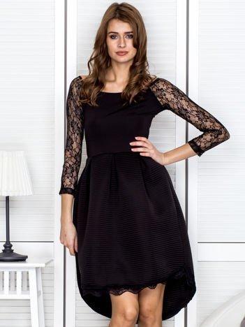 Sukienka koktajlowa z piankowym dołem czarna