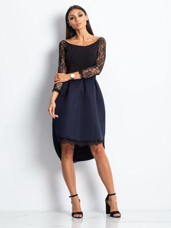 Sukienka koktajlowa z piankowym dołem czarno-granatowa