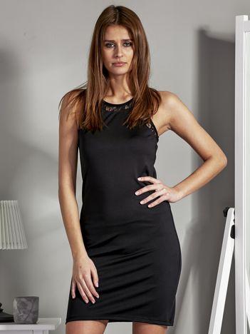 Sukienka koktajlowa z wycięciem na plecach czarna