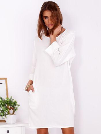 Sukienka oversize z domieszką bawełny biała