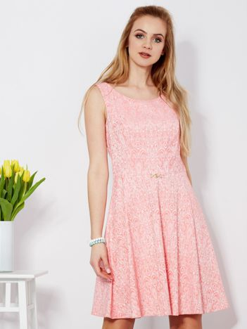 Sukienka różowa w drobny ornamentowy wzór