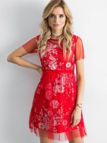 Sukienka warstwowa z kwiatowym motywem czerwona