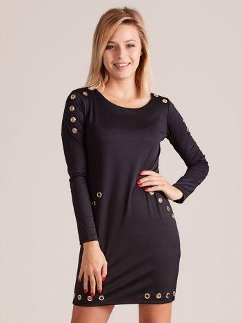 Sukienka z ozdobnymi oczkami czarna