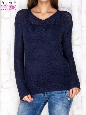 Sweter damski granatowy o szerokim splocie