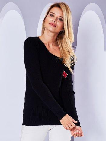Sweter z kieszonką i naszywką czarny