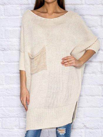 Sweter z wycięciem i wstążką jasnobeżowy