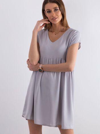 Szara luźna sukienka z dekoltem w serek