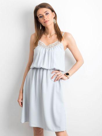 Szara sukienka damska na ramiączkach