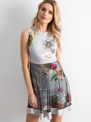 Szara sukienka koktajlowa z tiulową warstwą