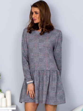 Szara sukienka w kratkę z obniżonym stanem