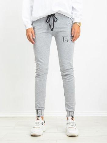 Szare spodnie Alluring