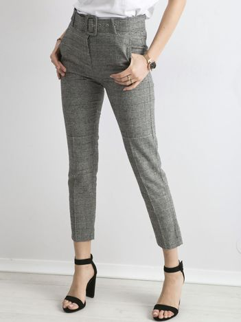 Szare spodnie cygaretki z paskiem