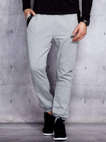 Szare spodnie dresowe męskie z pikowanymi wstawkami