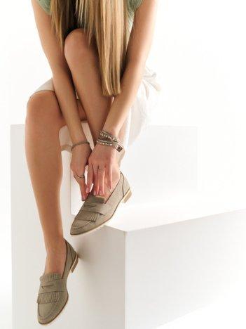 Szare zamszowe marmurkowe lordsy z frędzelkami z przodu buta