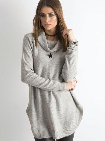 Szary długi sweter z golfem