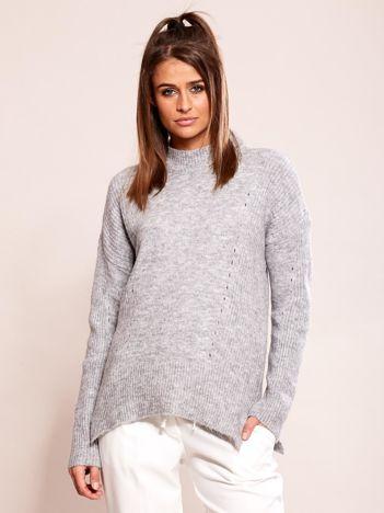 Szary sweter damski z ażurowaniem