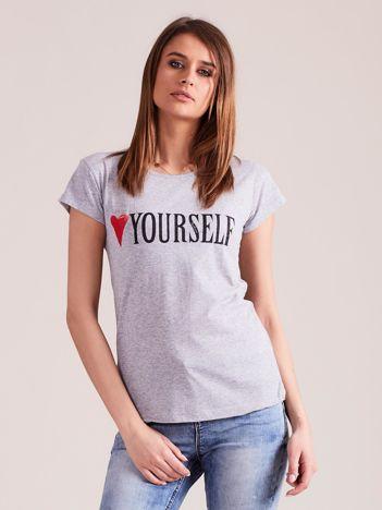 Szary t-shirt damski z nadrukiem