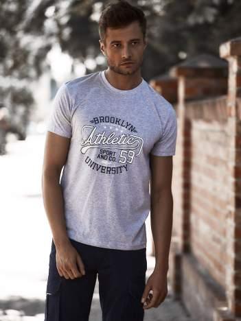 Szary t-shirt męski z napisem BROOKLYN ATHLETIC UNIVERSITY