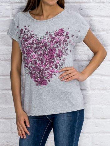 Szary t-shirt z roślinnym nadrukiem
