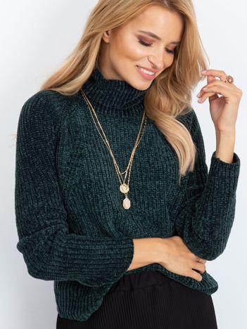 Szenilowy sweter z golfem ciemnozielony