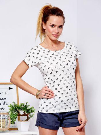 T-shirt beżowy w kotwice