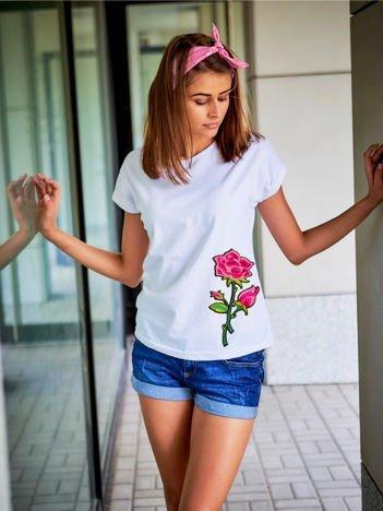 T-shirt damski biały z naszywką RÓŻA