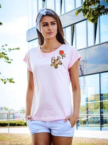 T-shirt damski jasnoróżowy z naszywkami KWIATY