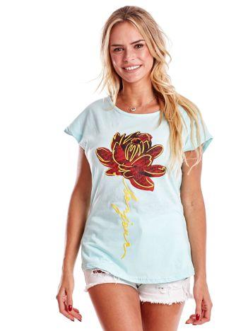 T-shirt damski miętowy z kwiatem