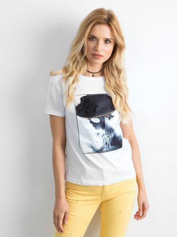 T-shirt damski z aplikacją 3D biały