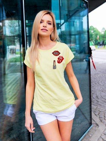 T-shirt damski żółty z naszywkami