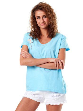 T-shirt jasnoniebieski z kwiatowym haftem