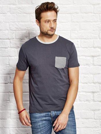 T-shirt męski z kieszonką w kratę grafitowy