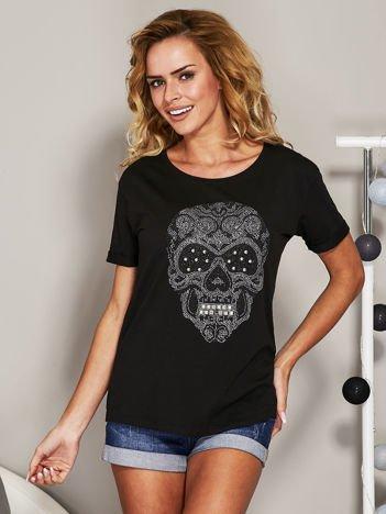 T-shirt z biżuteryjną czaszką czarny