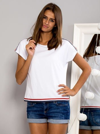 T-shirt z kolorową lamówką biały