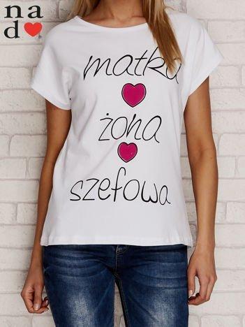 T-shirt z napisem MATKA ŻONA SZEFOWA biały