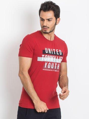 TOMMY LIFE Czerwony męski t-shirt z bawełny