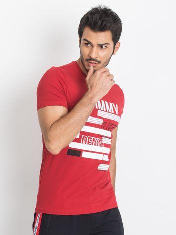 TOMMY LIFE Czerwony męski t-shirt z nadrukiem