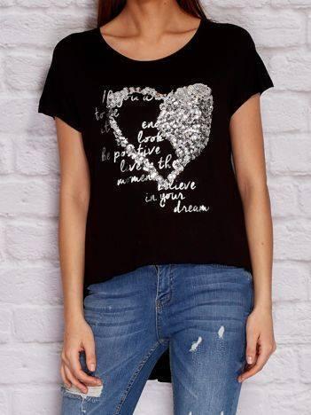 YUPS Czarny t-shirt z cekinowym sercem