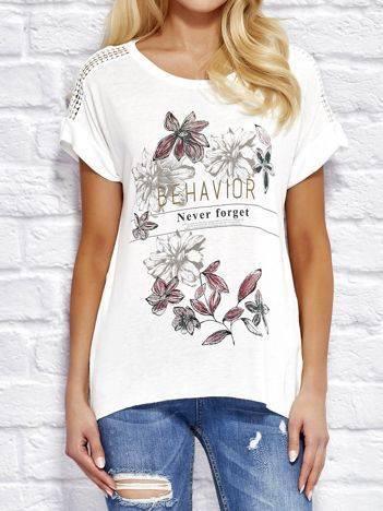 YUPS Ecru t-shirt z motywem kwiatowym