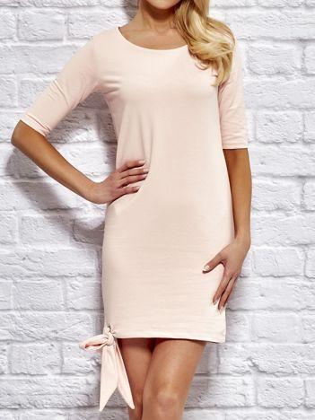 YUPS Różowa sukienka dresowa z wiązaniem