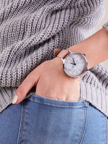 Zegarek damski różowy z marmurową tarczą