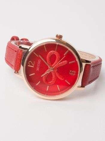 Zegarek damski z kokardą na tarczy