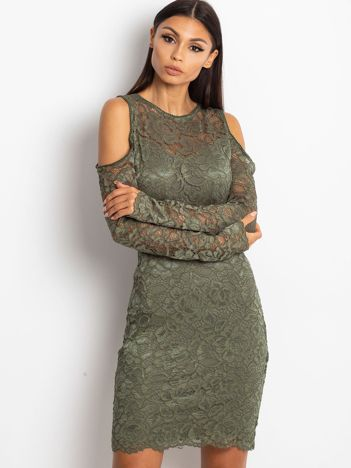 Zielona koronkowa sukienka z odkrytymi ramionami