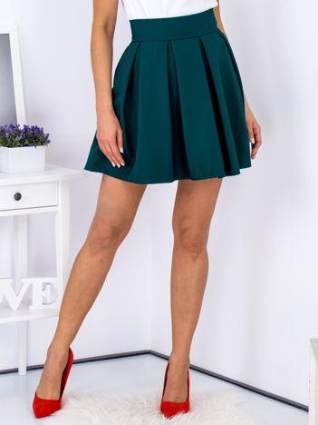 Zielona spódnica z kontrafałdami